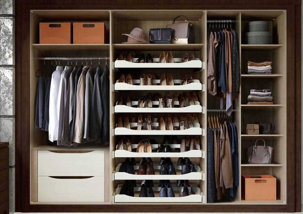 bedroom_WILLOUGHBY_EXPRESSO_OAK_INTERIOR-WARDROBE.jpg