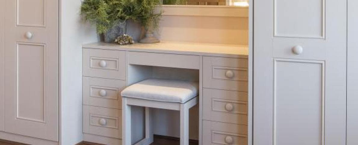Fitted Dressing Table 1
