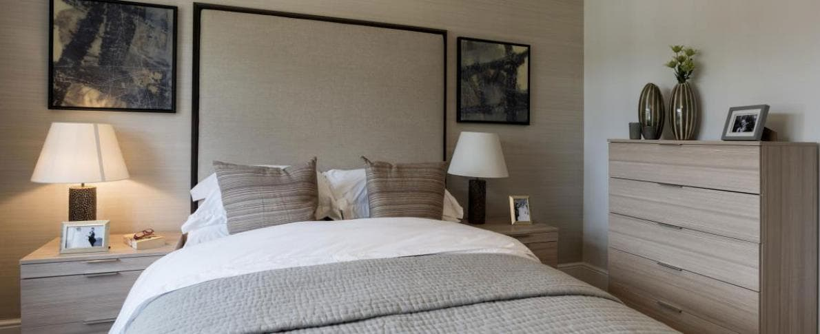 fitted-neutral-bedroom-furniture.jpg