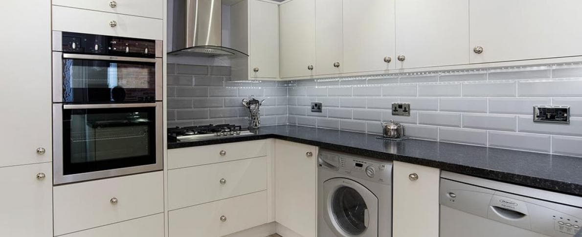 kitchen_casestudy_Pickering-Newton_Kitchen-Hammonds_Furniture-After-02.jpg