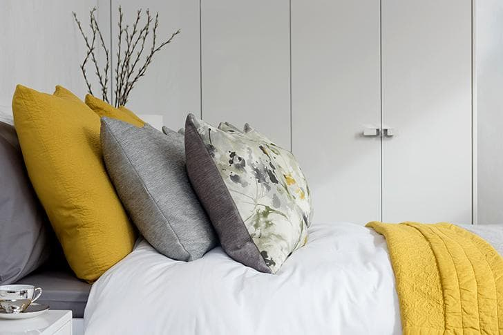 Elkin Frost grey and yellow bedding 1