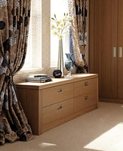 Hammonds willoughby chest of drawers with accessories