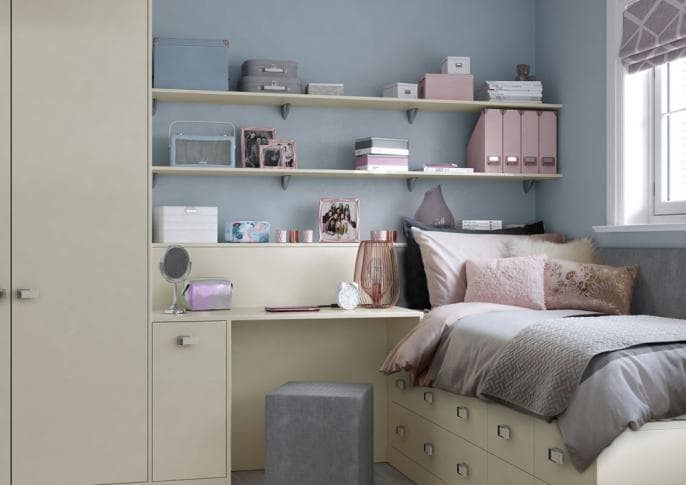bedroom_ELKIN_CREAM_GIRLS_OVER_BED_CONTINUOUS_SHELVING.jpg