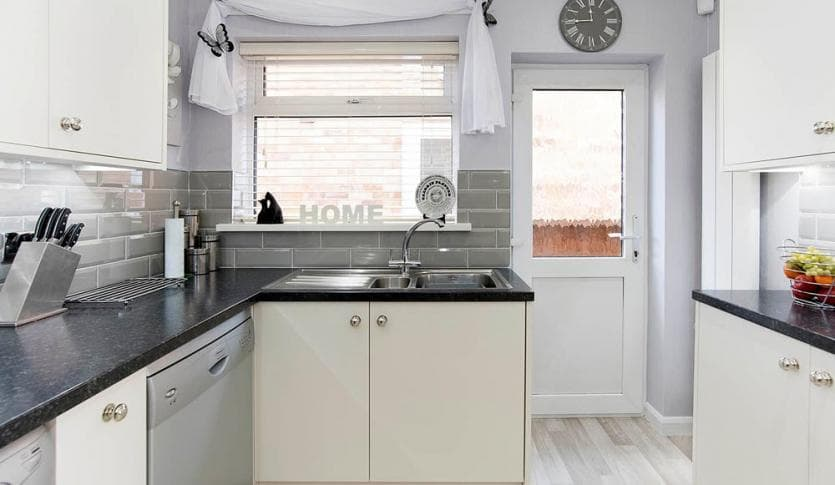 kitchen_casestudy_Pickering-Newton_Kitchen-Hammonds_Furniture-After-08.jpg