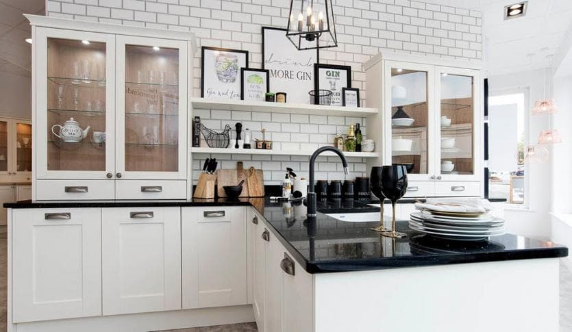 kitchen_casestudy_elegant_painted_Highbury_White_Kitchen-Hammonds_Furniture-01.jpg
