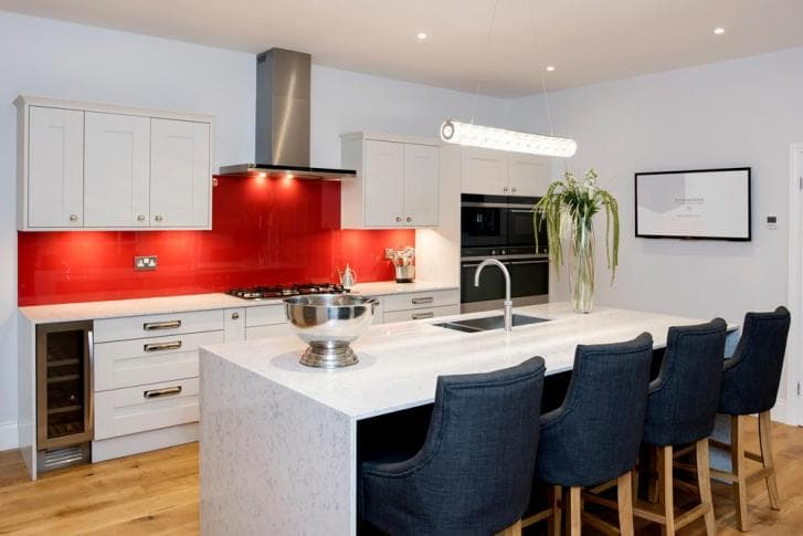 real_rooms_Wainwright-Highbury_Kitchen-Hammonds_Furniture-02.jpg