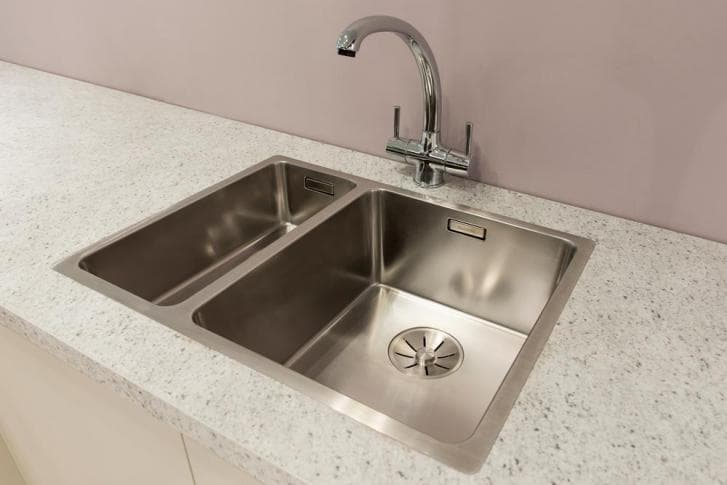 silver sink and tap 2.jpg