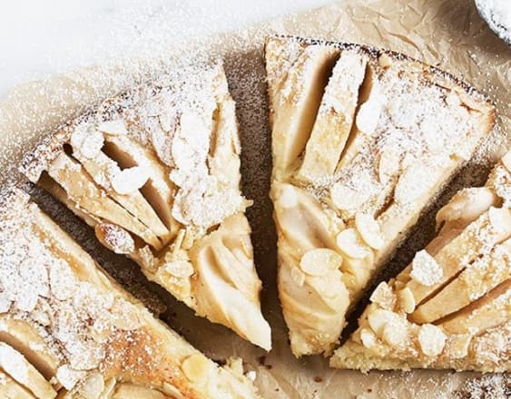 Easy apple cake banner